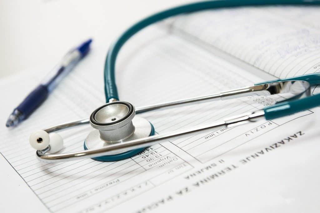 Arzt Terminbuch mit einem Stetoskop