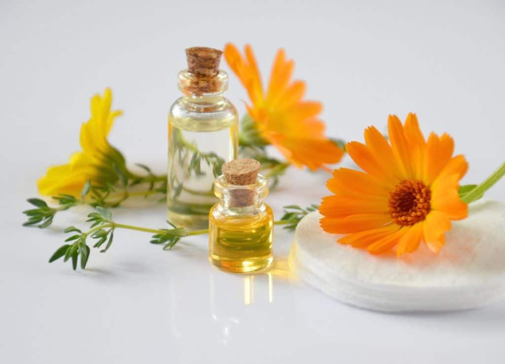 Ätherische Öle als Symbol für Hautpilz Hausmittel