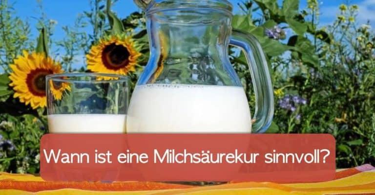 Milchglas und Milchkanne symbolisch für Milchsäurekur für Frauen